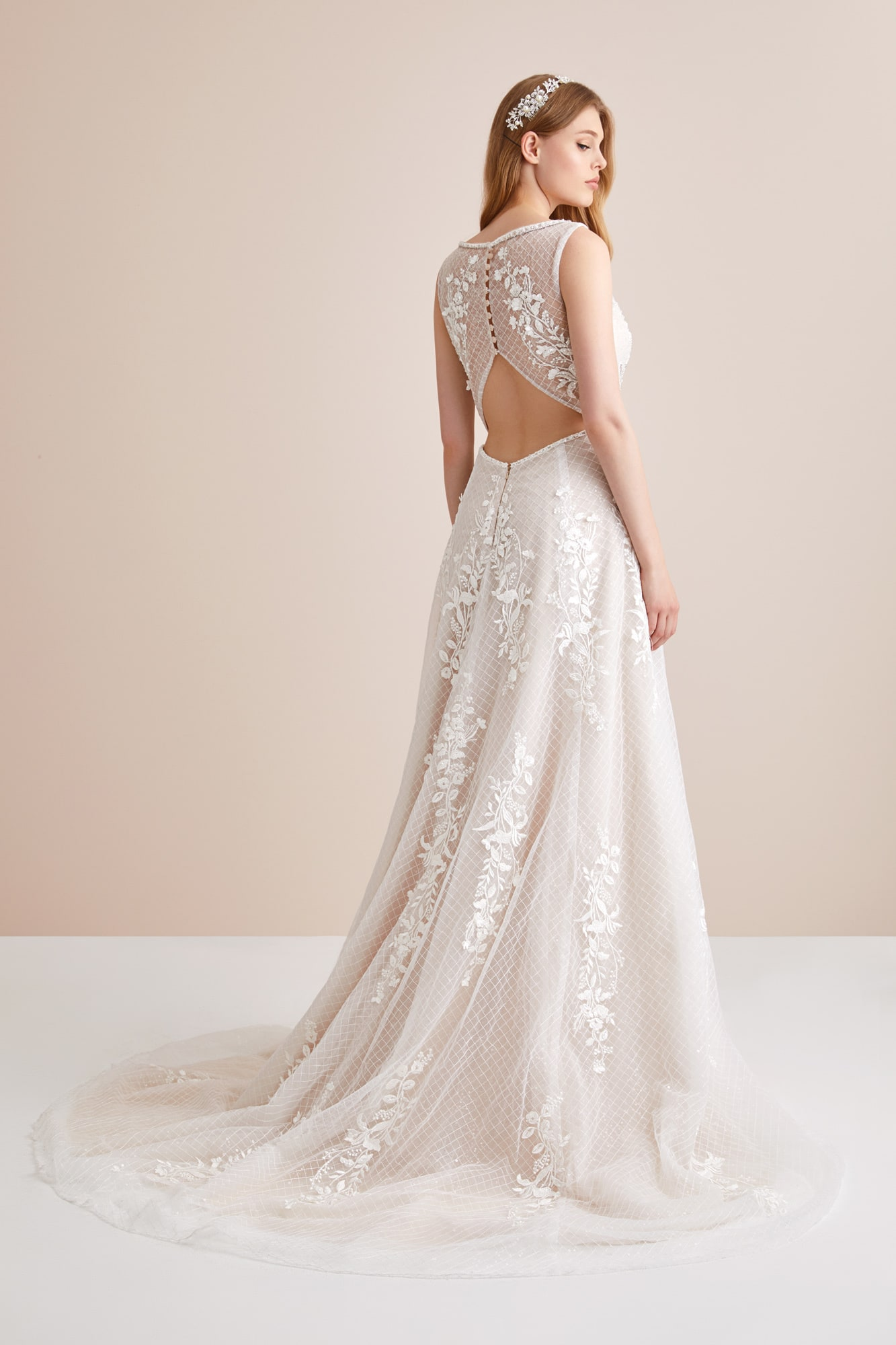 Open-back A-line Wedding Dress